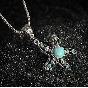 🦋🦋🦋gorgeous silver turquoise star necklace